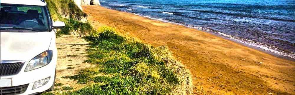 skoda-fabia-station-beach-red-sand